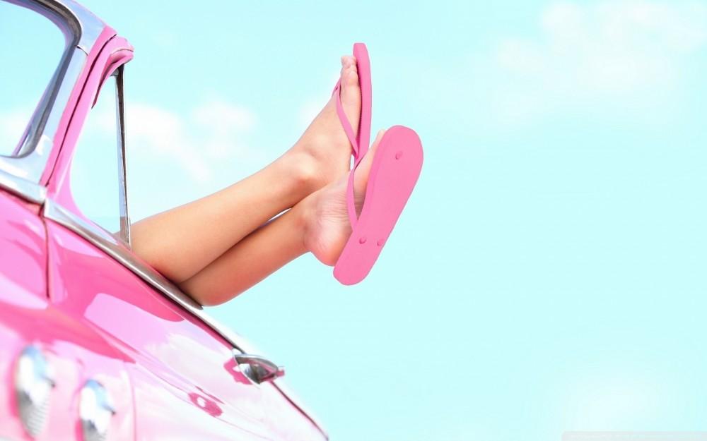 Girl-Beautiful-Leg-Pink