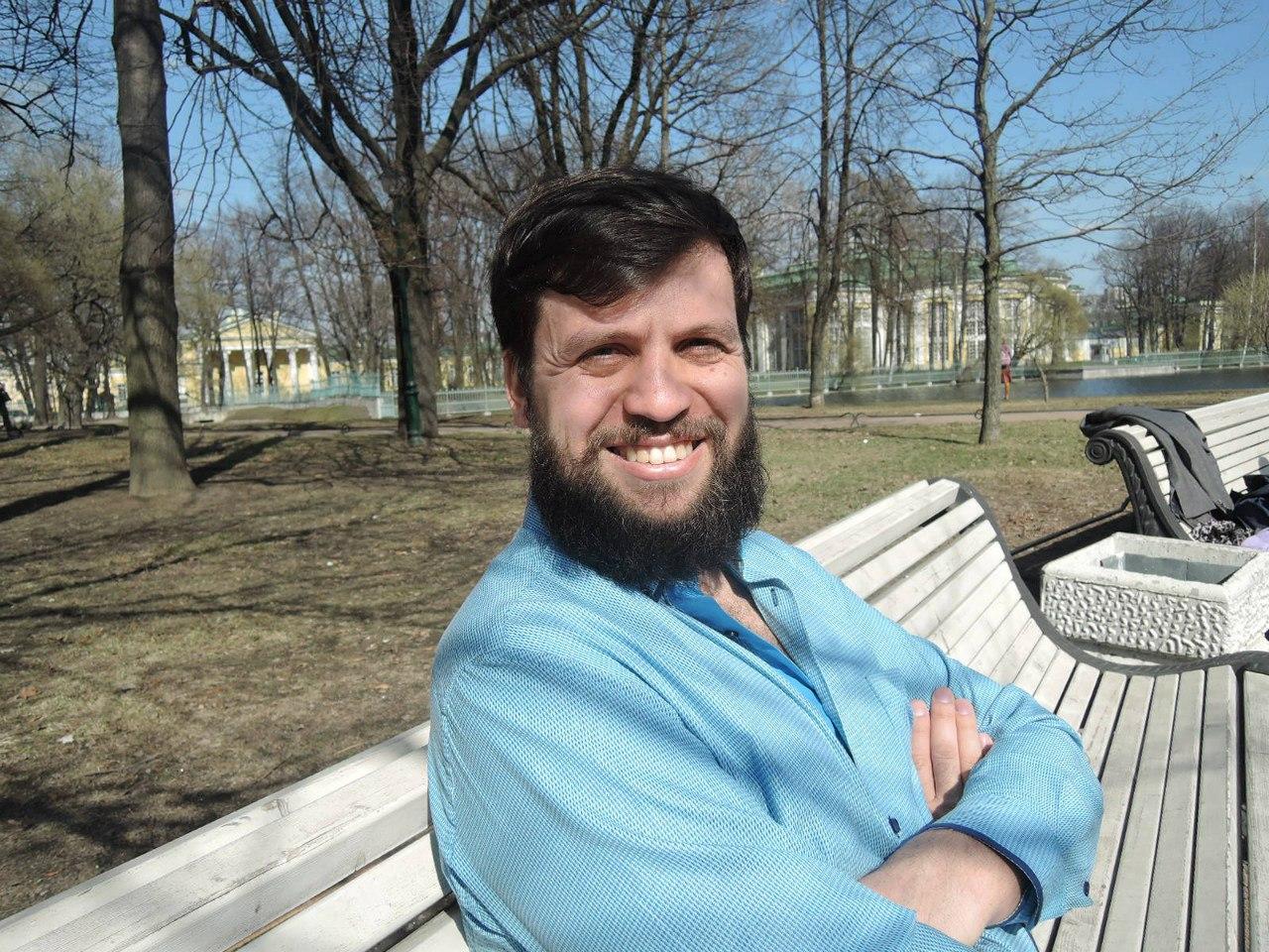 Психолог Илья Надёжкин